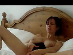 Beautiful milf kelly hart masturbates with a pink vibrator