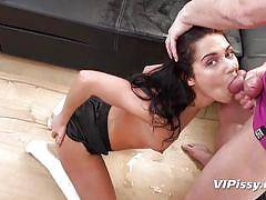 Babe wants you to piss on her before fucking