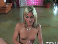 Cute blonde courtney simpson jerks off