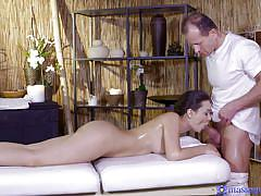 Pretty anina enjoys a kinky massage