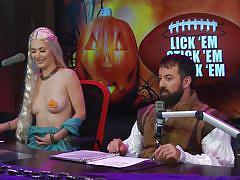 Andrea gives a treat for halloween @ season 16 ep. 750