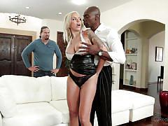 Blonde tattoed cuckold wife fucked by bbc @ mom's cuckold