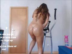 Sexy latina masturbating at home after work out! watch her live!