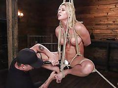 Flexible beauty in bondage