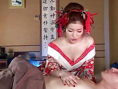 Japanese geisha pleases his cock
