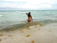 Diamond big ole ass on the beach