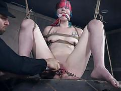 Dumb chick agreed for tied up sex session