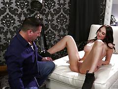 Babe tries her hand (and mouth) at a huge schlong!