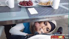 Arab stepmom starts off a threesome