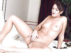 babe, solo, shaved, masturbation, vibrator, brunette, twistys, nia black
