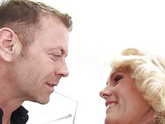 Blonde milf wants some of that jumbo penis @ rocco's pov volume #36